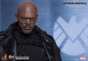 Hot Toys - Nick Fury Sixth Scale Figure