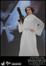 Hot Toys - Princess Leia Sixth Scale Figure